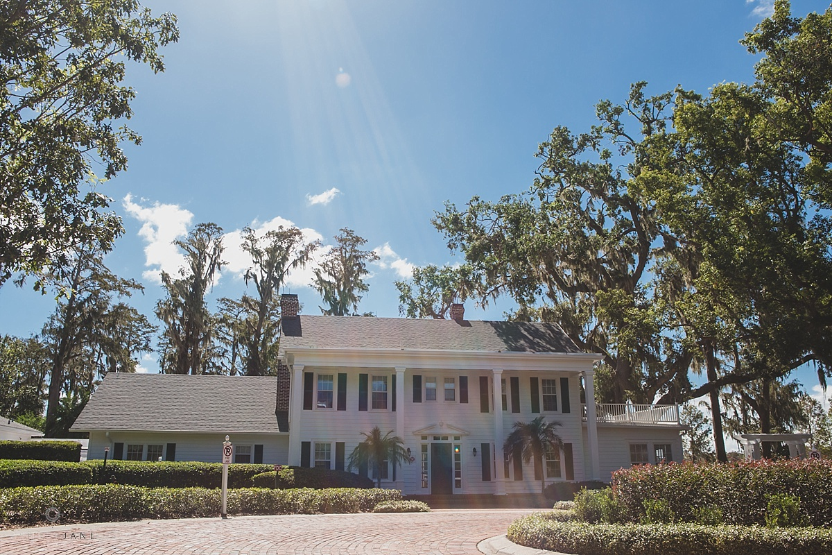 Exterior of Cypress Grove Estate House shot by Orlando wedding photographer